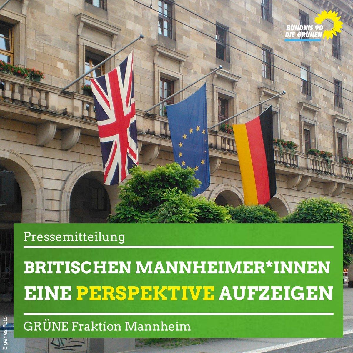 Britische und Europäische Fahne vor dem Mannheimer Rathaus
