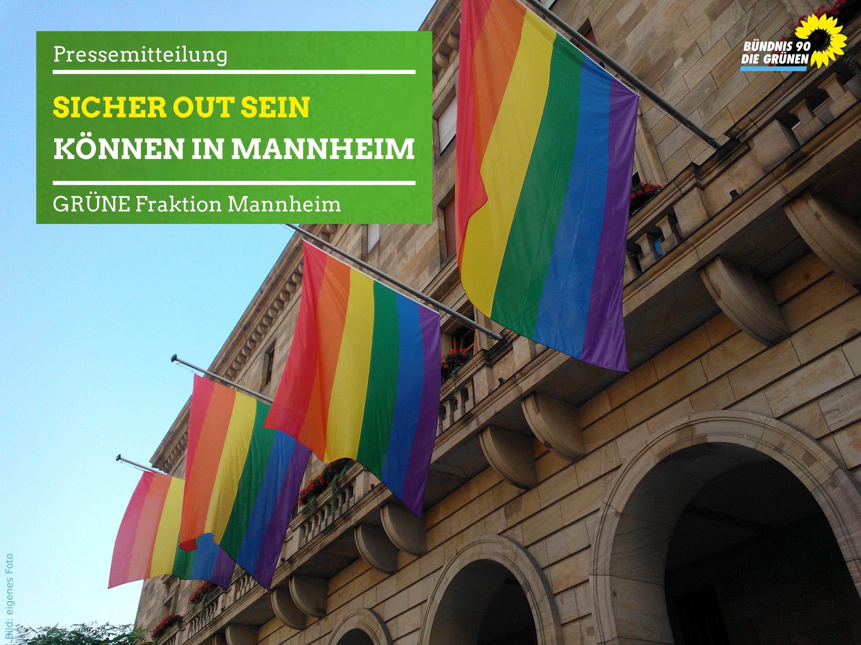 Regenbogenfahnen vor dem Mannheimer Rathaus