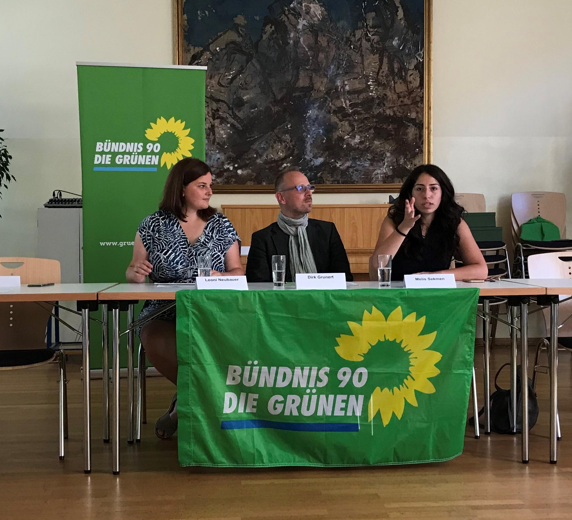 GRÜNE Pressekonferenz mit Leoni Neubauer, Dirk Grunert und Melis Sekmen