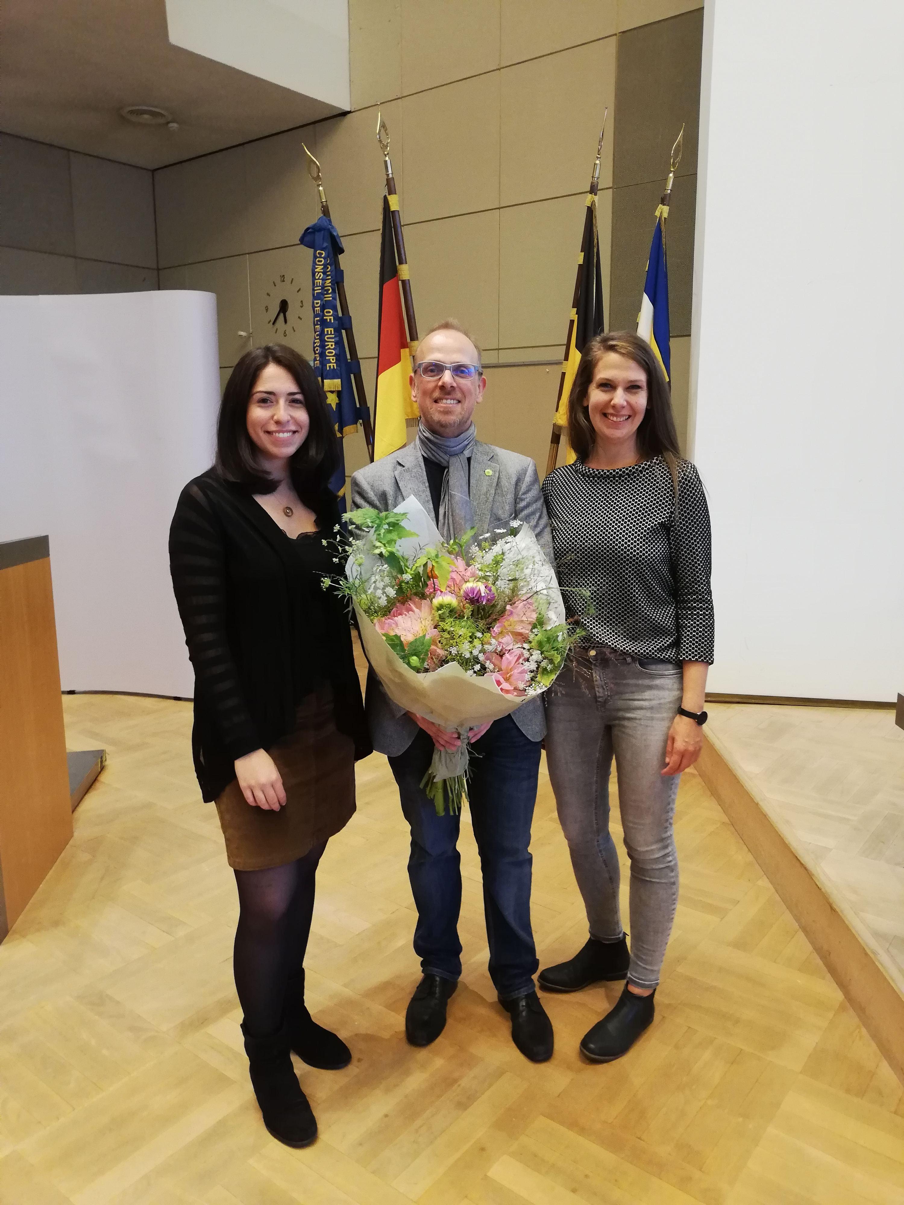 von links nach rechts: Melis Sekmen, Dirk Grunert und Stefanie Hess